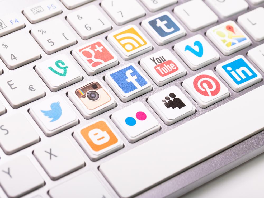 comunicare-sul-web-durante-il-distanziamento-sociale